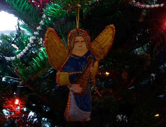 tree_angel_posing.jpg