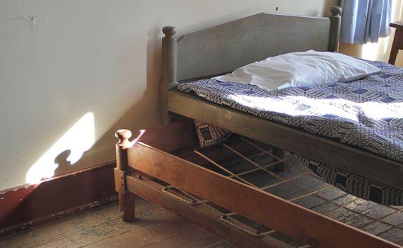 Trundle bed golden lamb lebanon ohio