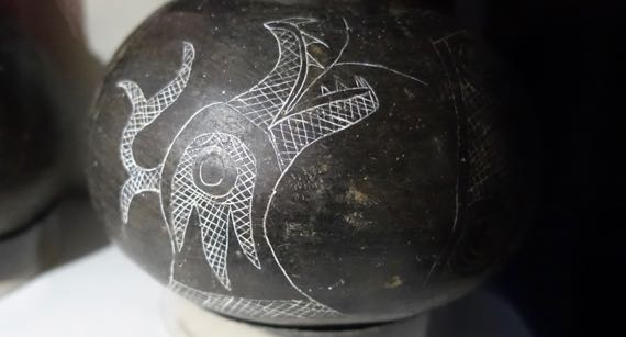 Uktena etched pot