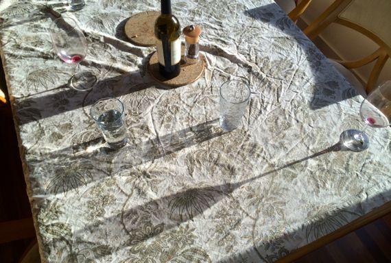 Wine table level sunrays